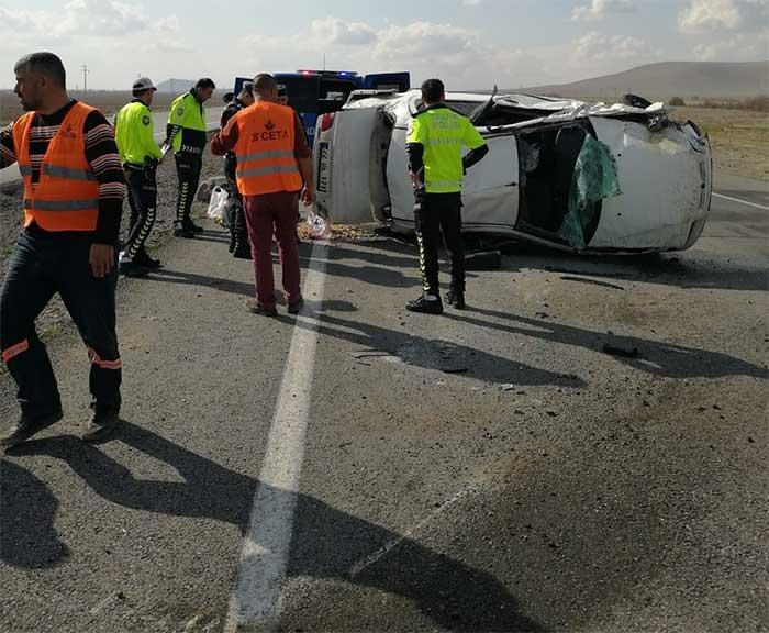 Otomobil 4 Takla Attı Feci Kazada 4 Kişi Yaralandı