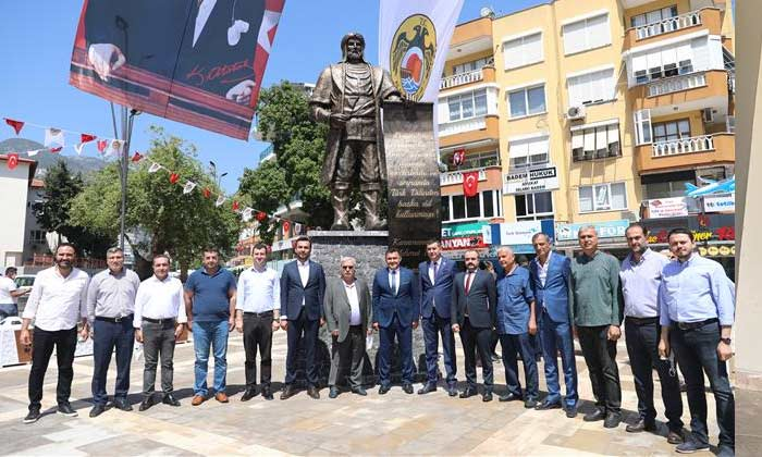 Teşekkürler Alanya Belediyesine Karamanoğlu Mehmet Beyin Heykelini Açtılar