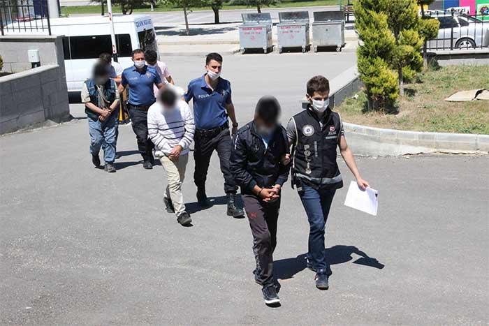 Karaman'da Silah Cephanesi Ele Geçirildi! 4 Kişi Adliyeye Sevkedildi