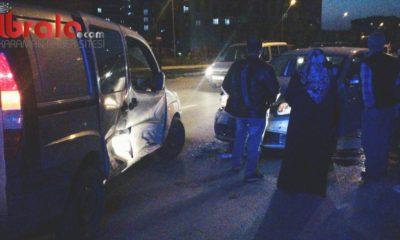 Kırmızı ışık ihlali yapan sürücü kaza yaptı:2 yaralı