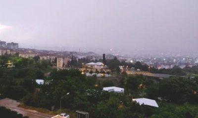 Bursa'da geceyi yıldırım ve şimşekler aydınlattı