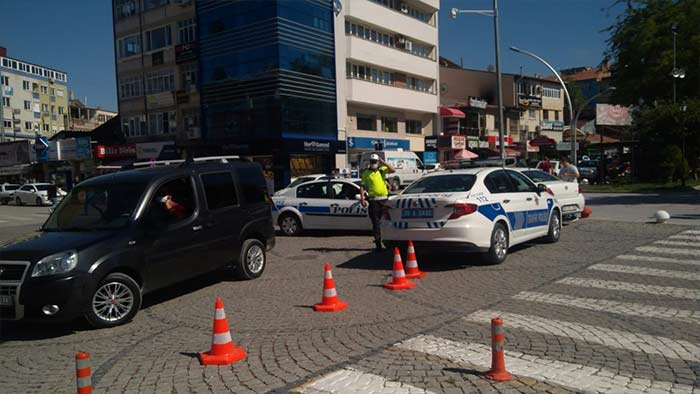 Karamanda O Cadde Neden Trafiğe Kapatıldı