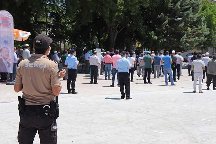 Karaman'da Ayasofya İçin Şükür Namazı ve Duası
