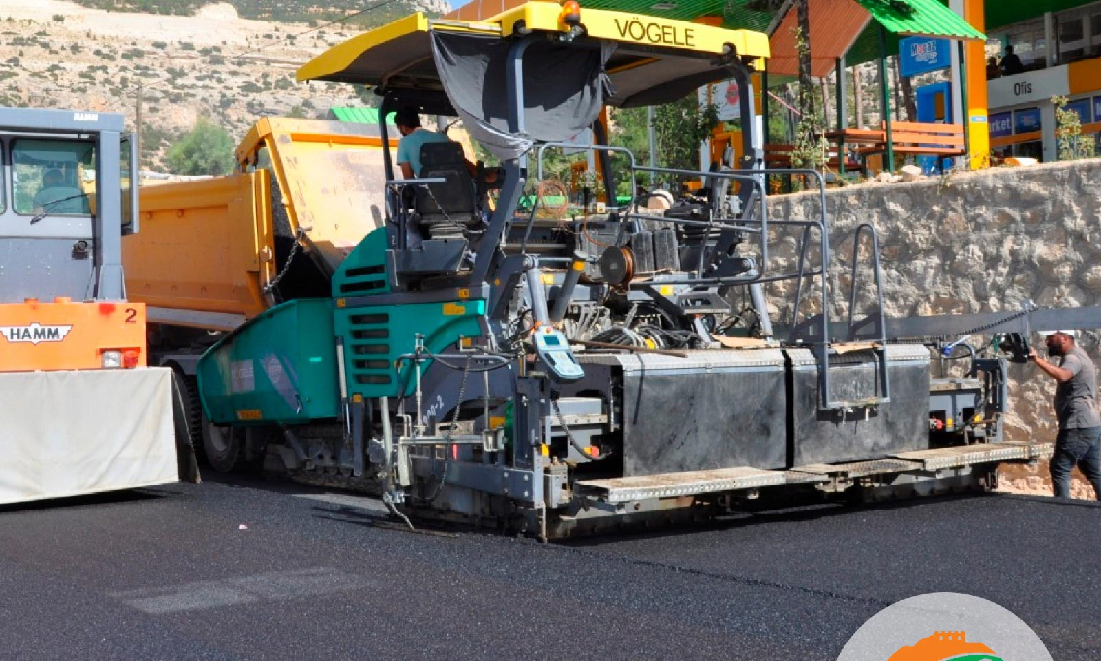 Ermenek'de Asfaltlama  Çalışmaları Devam Ediyor