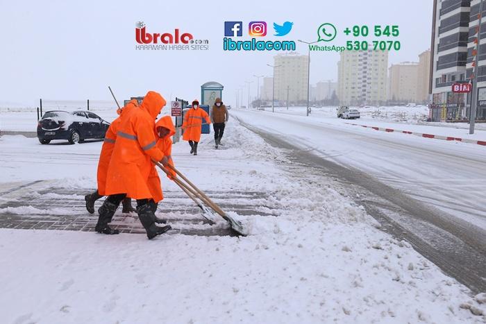 Karaman'da Belediye ekipleri aralıksız çalışıyor