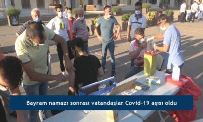 Bayram namazı sonrası vatandaşlar Covid-19 aşısı oldu