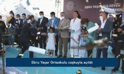 Ebru Yaşar Ortaokulu coşkuyla açıldı